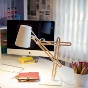 luminária abajur LOOKER madeira 1X mini bulbo Mantra 3615