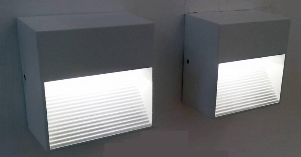BALIZADOR DASH 8,5cm x 5cm x 8,5cm  1 x LED 2W 127V / 220V BRANCO