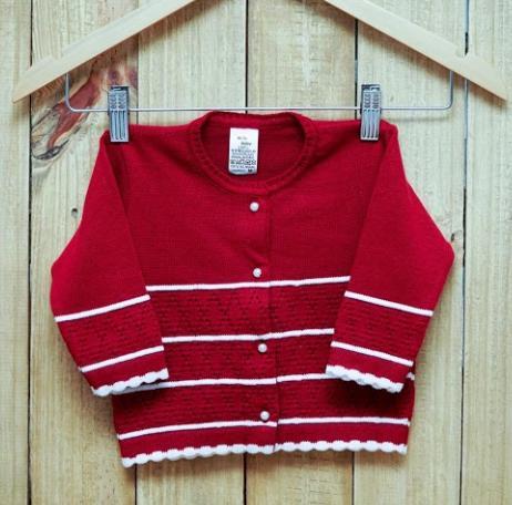 Casaco Em Tricot  para Bebê Com  Detalhes e listra Branca com Vermelho