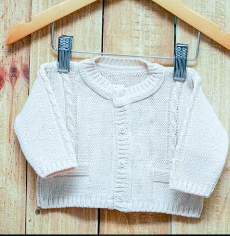Casaco Em Tricot para Bebê com Traça e Detalhes de Bolso  Bege