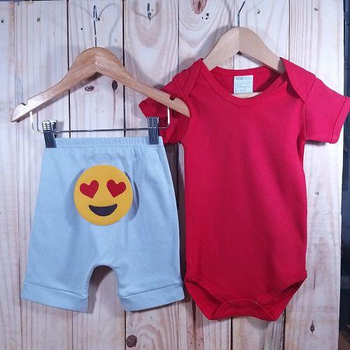 Conjunto Bermuda para Bebê Prata  Emoji e Body Liso Vermelho