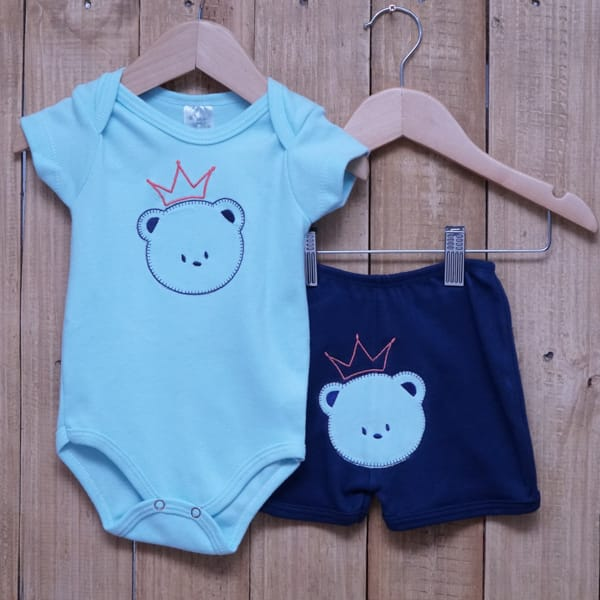 Conjunto para Bebê de Body Urso e Short com Bordado Verde e Azul Marinho