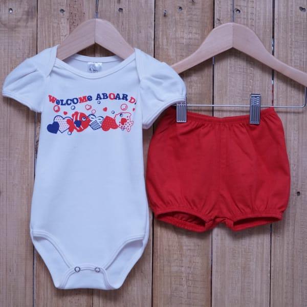 Conjunto para Bebê Estampado Peixinhos Off White com Vermelho