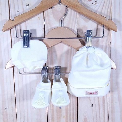 Kit para Bebê com Touca Luva e Sapatinho Off White