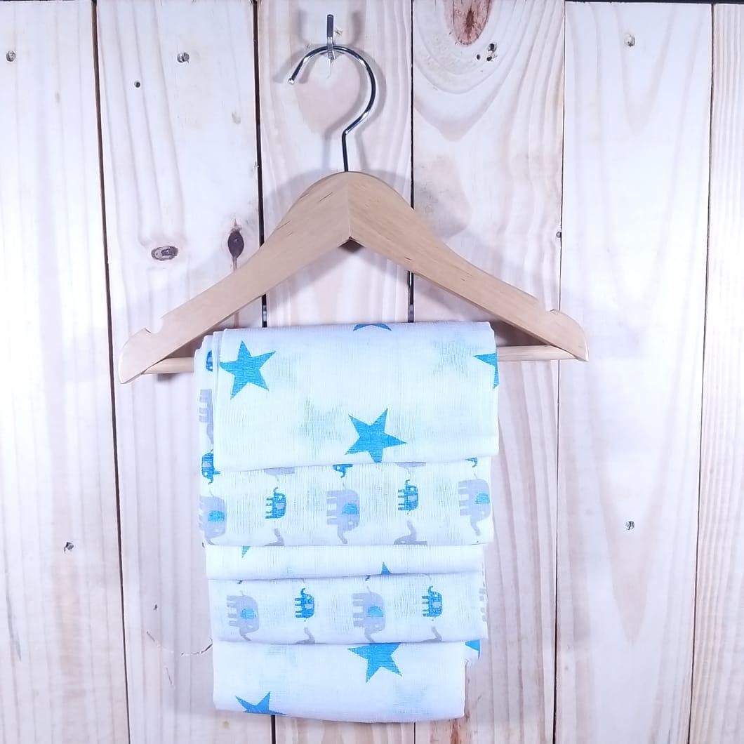 Fralda de Tecido com Cinco Peças Azul