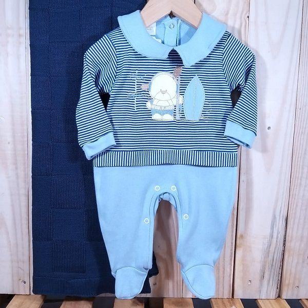 Saida Maternidade Macacão Listrado com a Manta de Tricô para Bebê