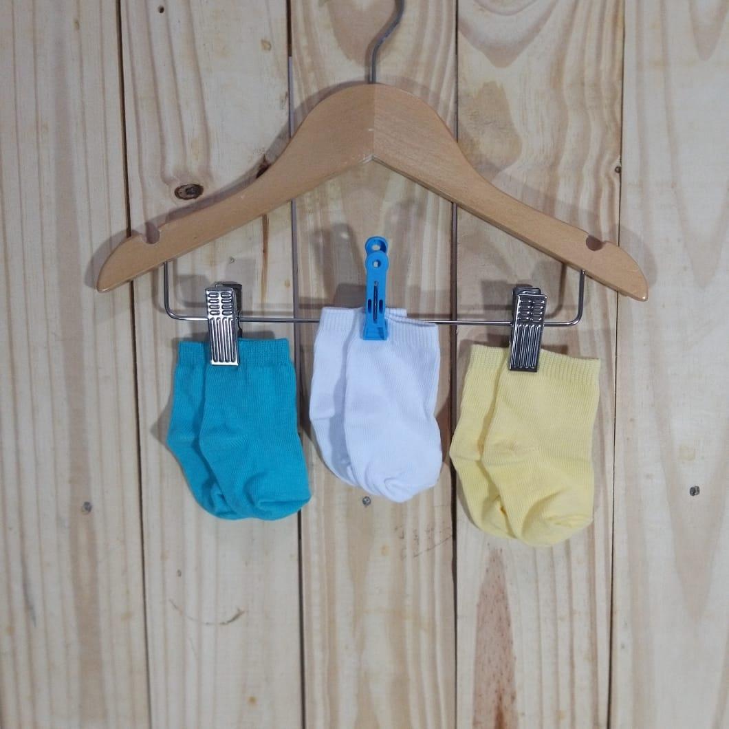 Kit Meia para Bebê com Três Pares Lisa Colorida