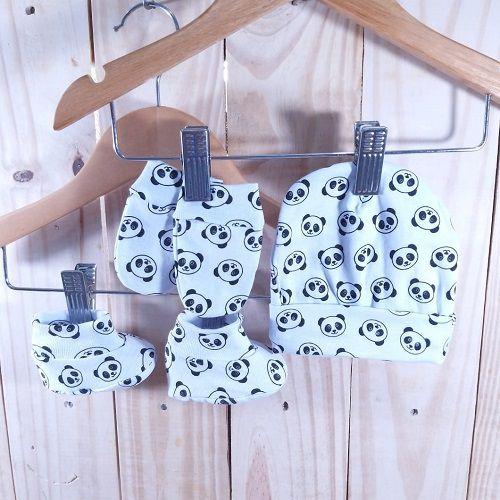 Kit para Bebê com Touca,Luva e Sapatinho Panda Minimalista