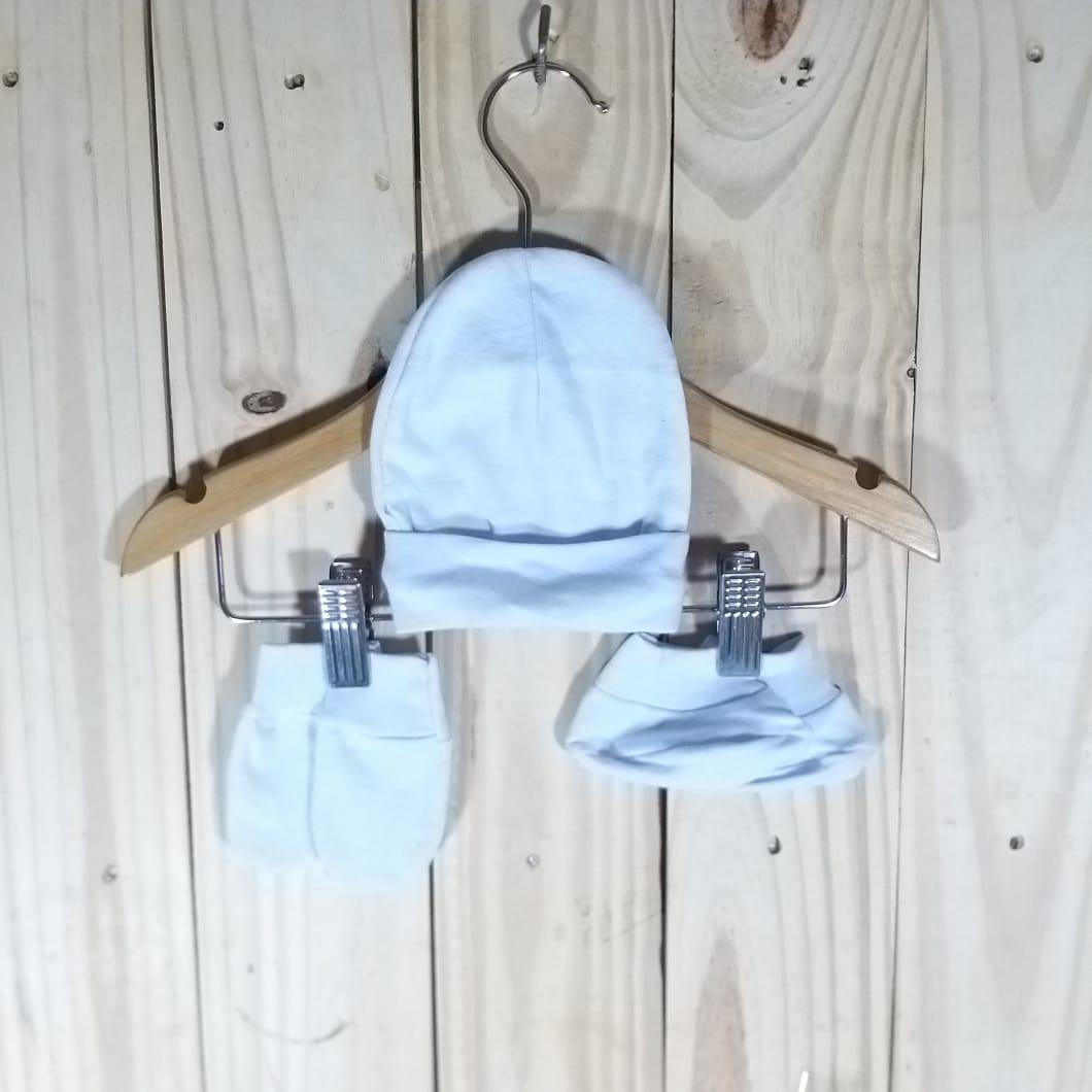 Kit para Bebê em Malha  Gorro, Sapato e Luva Branco