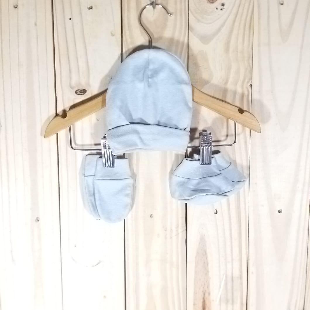 Kit para Bebê em Malha Gorro, Sapato e Luva Prata