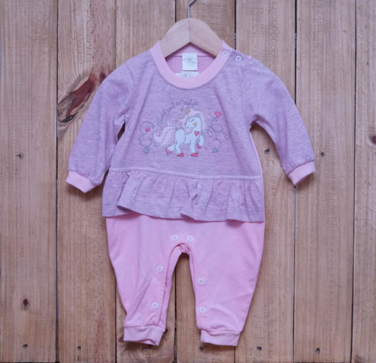Macacão para Bebê Bordado com Detalhe em Strass Rosa