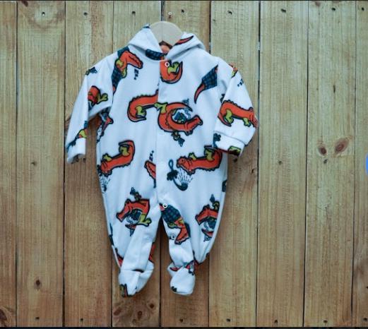 Macacão para Bebê com Capuz Estampado Soft  Jacaré Laranja