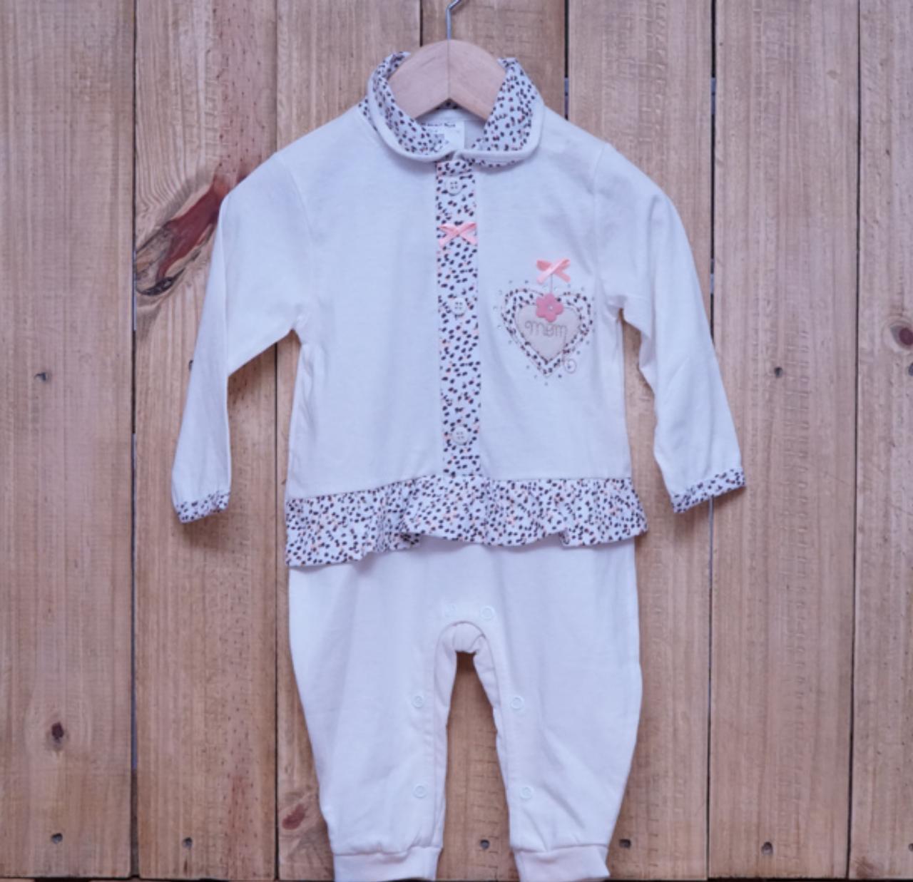 Macacão para Bebê com Detalhe em  Strass e Bordado Off White