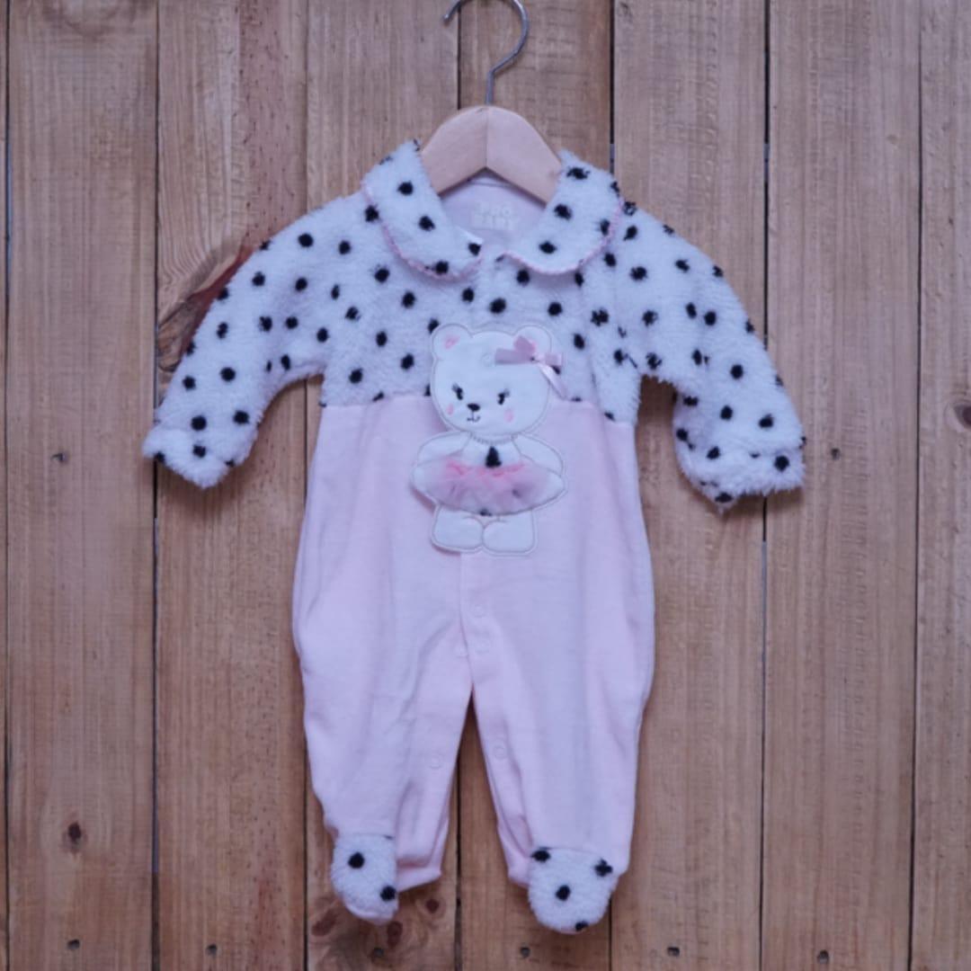 Macacão para Bebê com Detalhe em Pérolas  Bordado Rosa