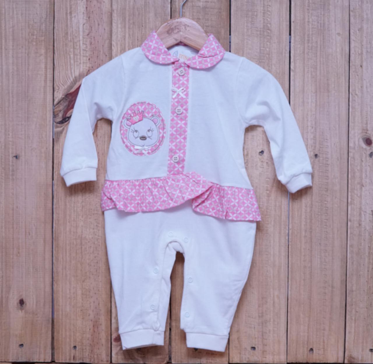 Macacão para Bebê com Detalhe em Strass e Bordado Ursinha com Coroa Off White