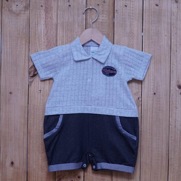Macacão para Bebê Curto Gola Polo Bordado Sobreposto Cinza e Azul Jeans