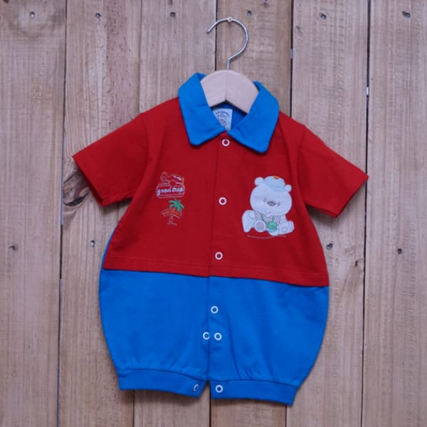 Macacão para Bebê Curto Gola Polo Bordado Urso Vermelho com Azul Claro