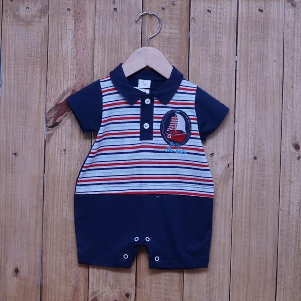 Macacão Para Bebê Curto Listrado com Bordado de Barco Azul Marinho