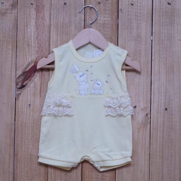 Macacão para Bebê Curto Regata Bordado Coelhinha e Ursinho com Renda Amarelo