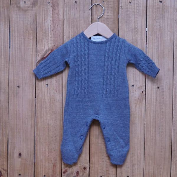 Macacão para Bebê em Tricot Trança Azul Jeans