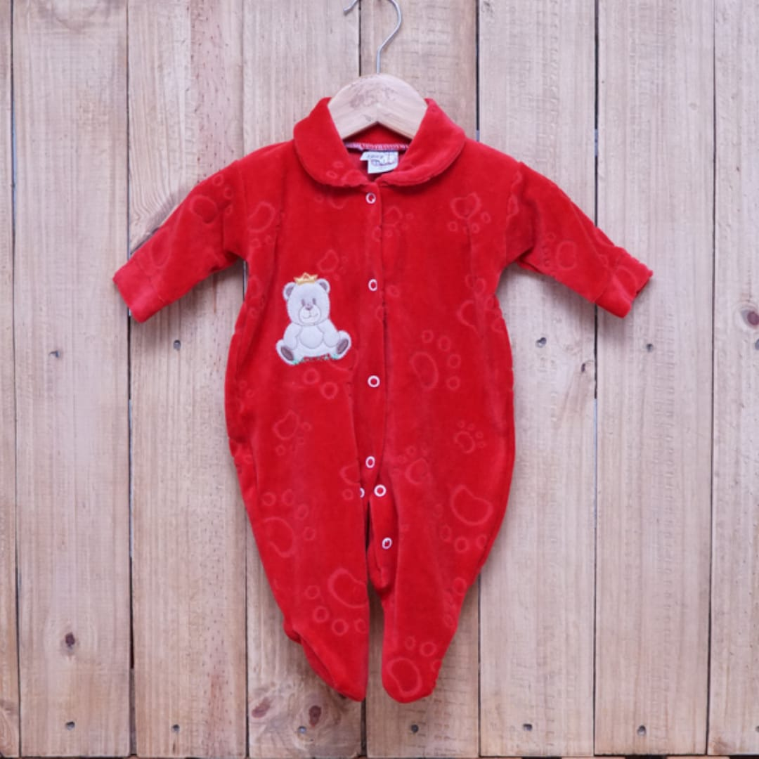 Macacão para Bebê Plush Bordado Urso Vermelho
