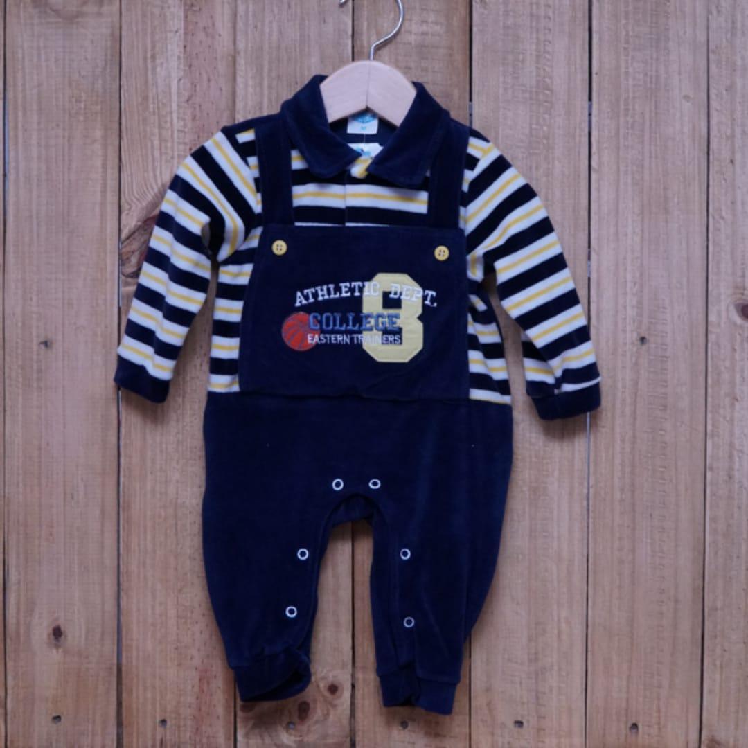 Macacão para Bebê Plush com Detalhe em Bordado Marinho