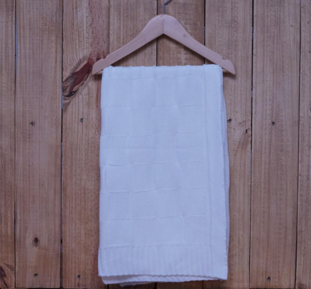 Manta para Bebê Quadrada em Tricot Branca