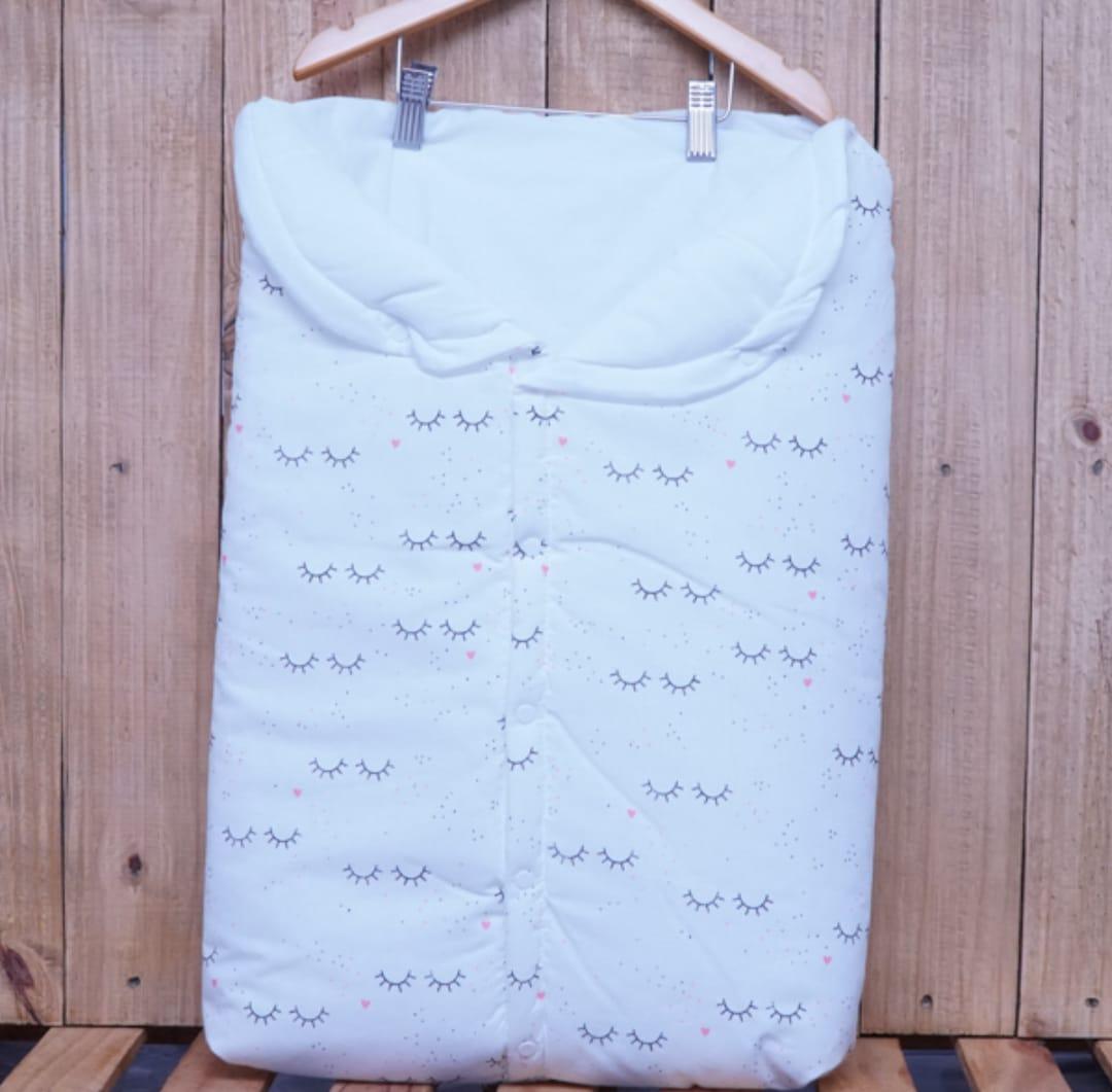 Porta Bebê Estampado Cílios Off White