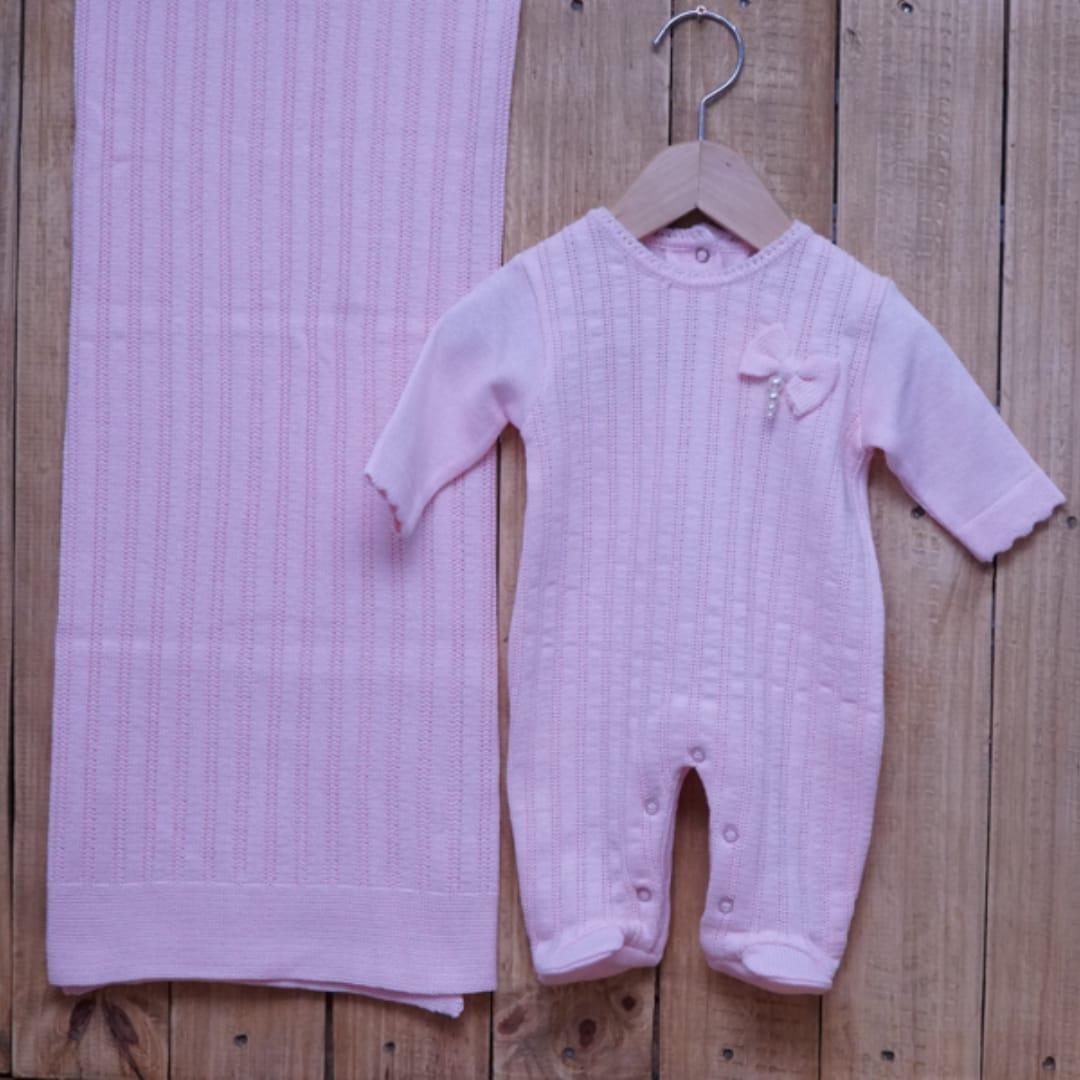 Saída Maternidade em Tricot para Bebê com Detalhe na Frente Rosa