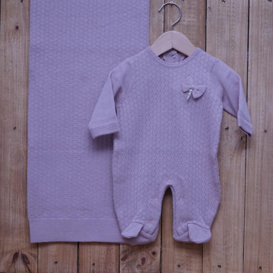 Saída Maternidade em Tricot para Bebê com Detalhe na Frente Rosé