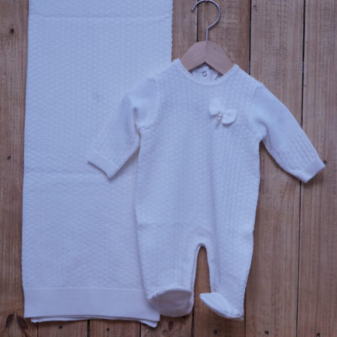 Saída Maternidade em Tricot para Bebê com Detalhe Off White