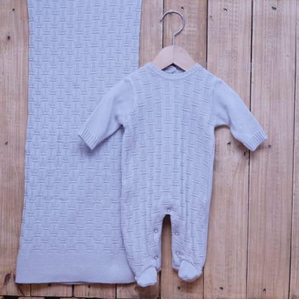 Saída Maternidade em Tricot para Bebê Detalhes Prata