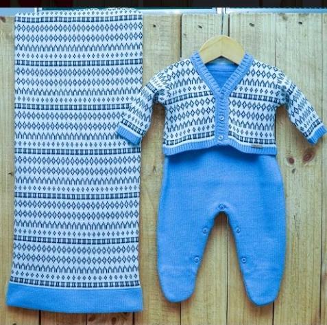 Saída Maternidade para Bebê Casaquinho Jacquard  em Tricot Azul Claro