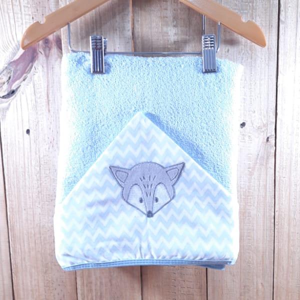 Toalhão para Bebê com Forro de Fralda Capuz Bordado Azul Claro
