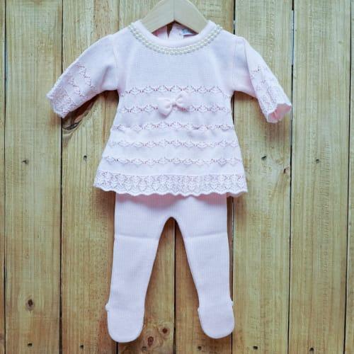 Vestido para Bebê em Tricot Rendado com Pérola na Gola com Detalhes na Frente E Meia Calça Rosa