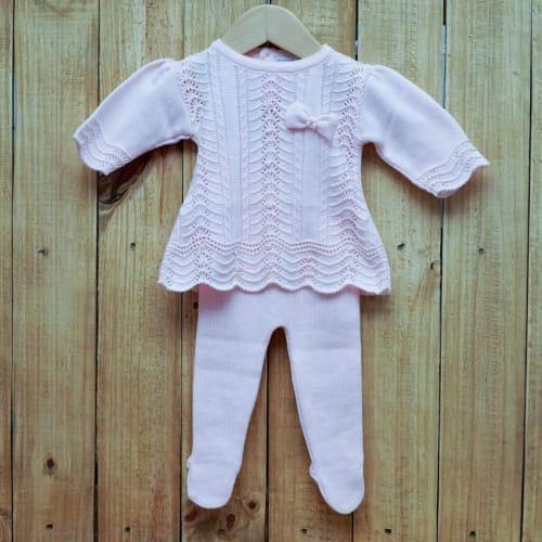 Vestido para Bebê em Tricot Rendado com Pérolas na Frente E Meia Calça Rosa