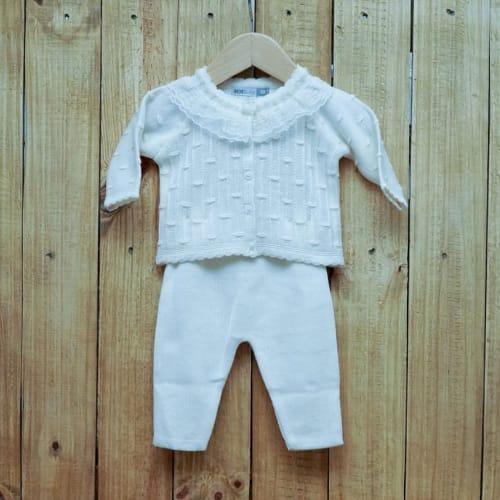 Conjunto para Bebê em Tricot Rendado  na Gola com Detalhes na frente é Calça