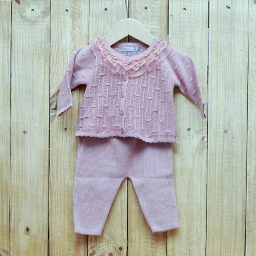 Conjunto para Bebê em Tricot Rendado  na Gola com Detalhes na frente com Calça