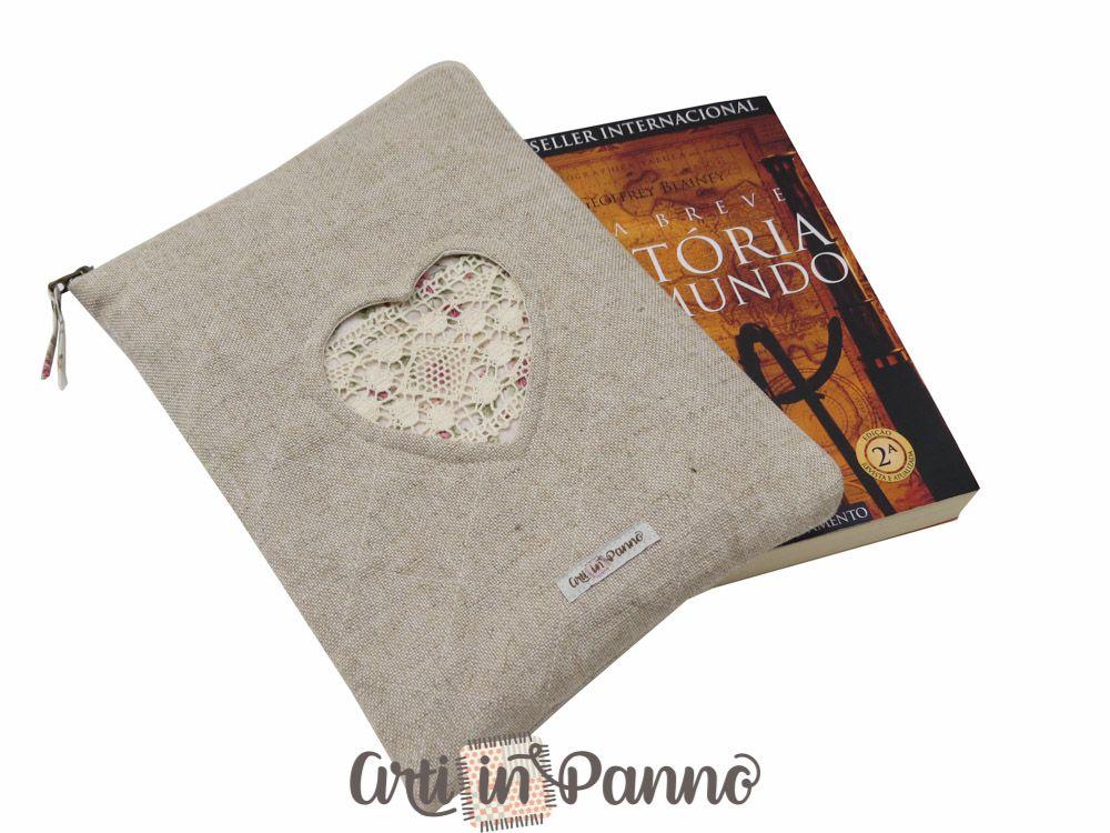 Porta livro em linho coração