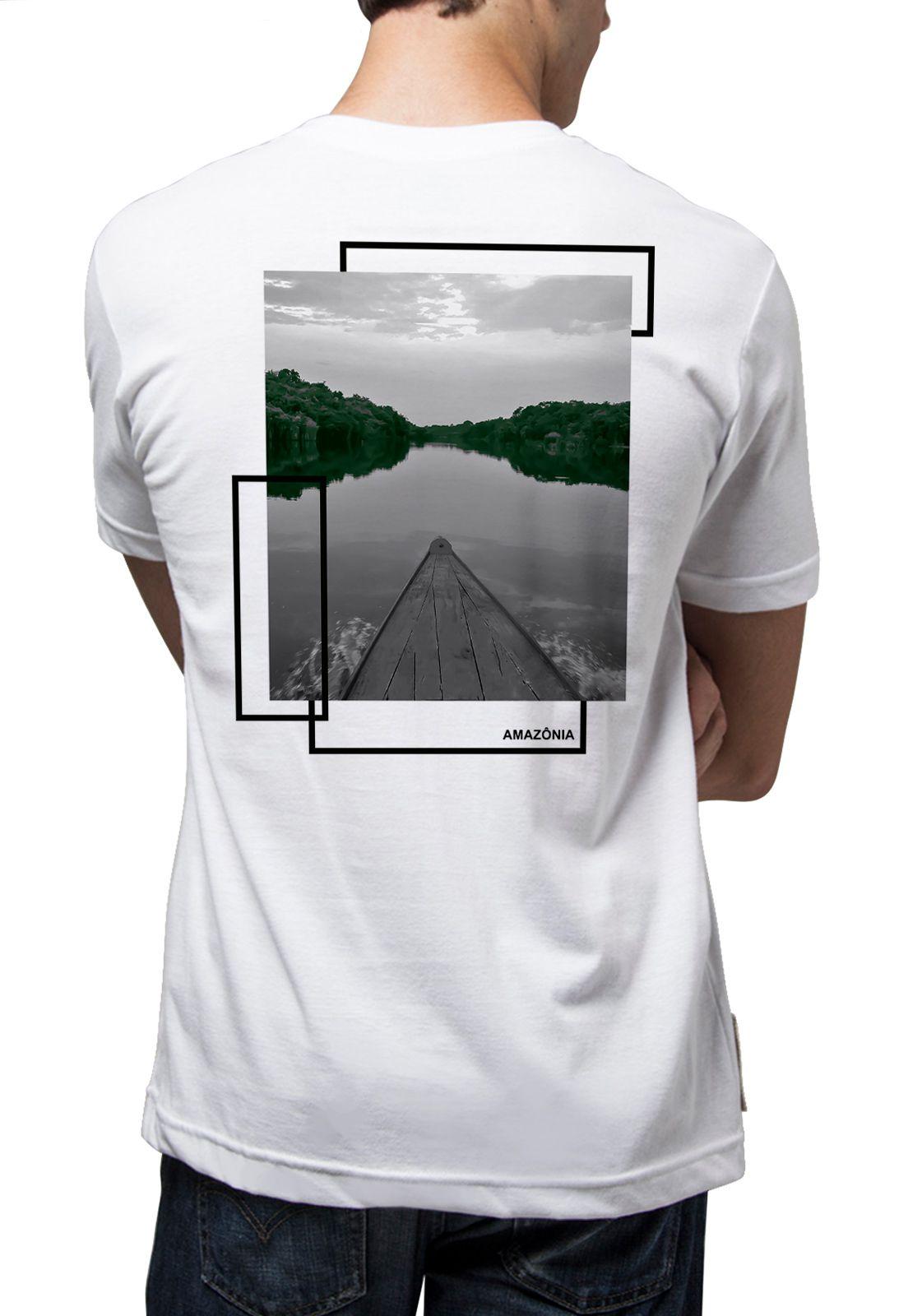 Camiseta Amazônia Navegando pelo Rio Amazonas - Branco