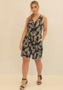Macacão Shorts Com Viés Constrastante e Botões Preto/Verde