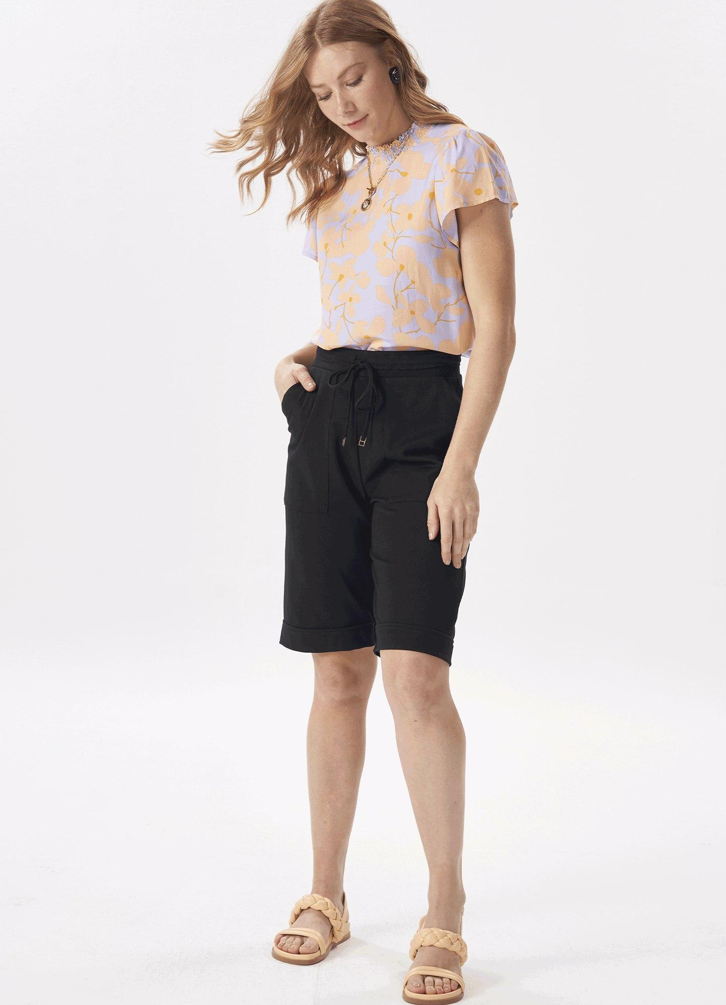 Bermuda Feminina Plus Size Classic Preta Com Bolso Cós Elástico