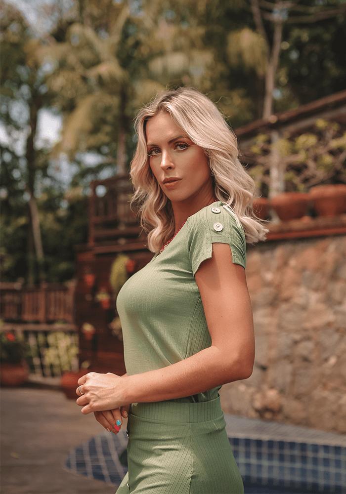 Blusa Canelada Botões Verde