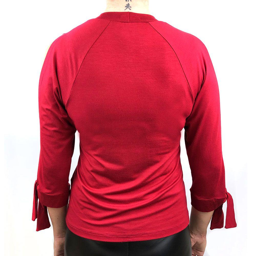 Blusa Vermelha Com Abertura Mangas
