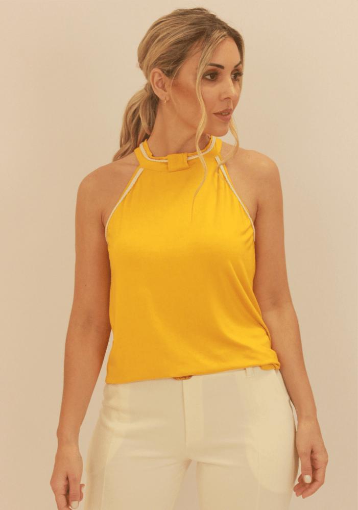 Blusa Com Detalhe Corda Na Cava e Gola Amarelo