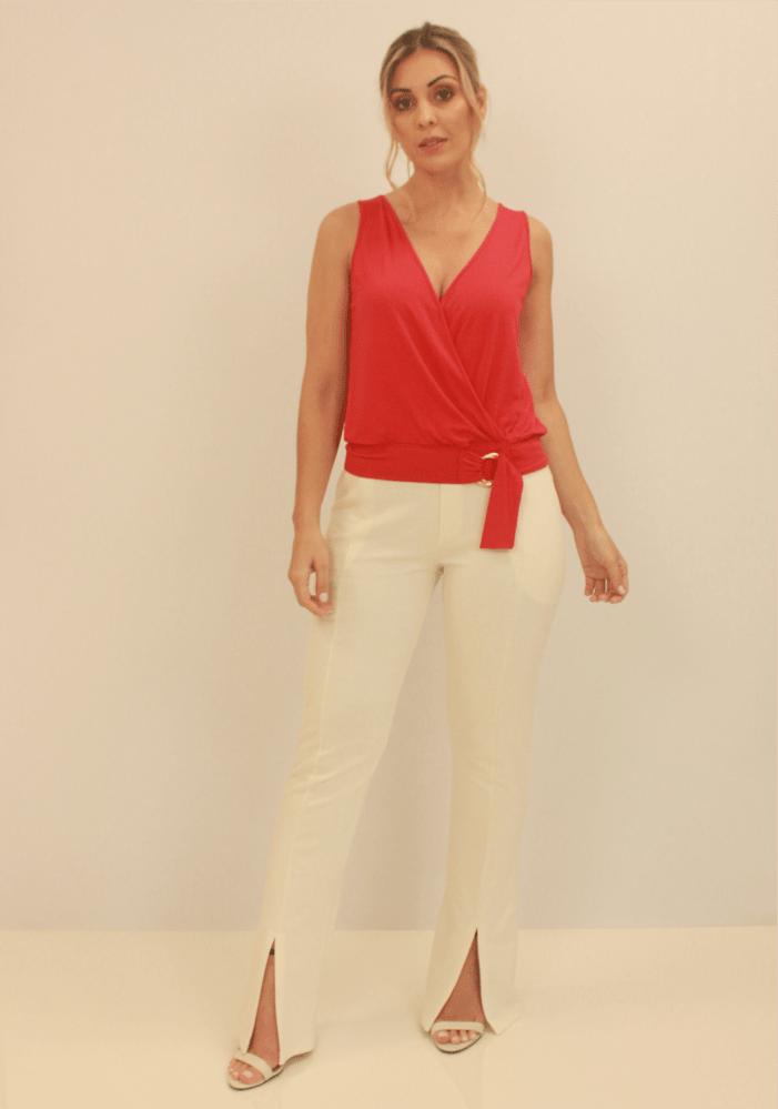 Blusa Com Transpasse e Detalhe Argola No Cós Vermelho