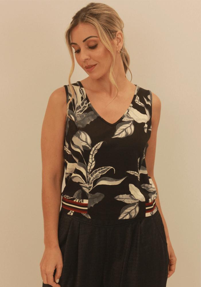 Blusa Faixa Decorativa Na Barra Preto/Branco