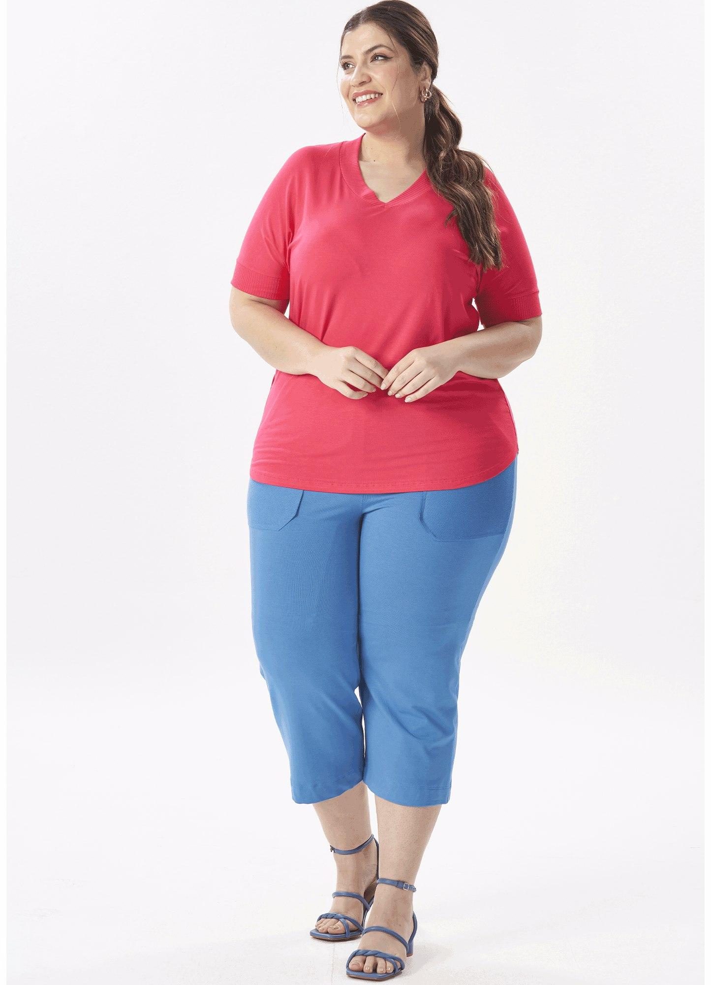 Blusa Feminina Plus Size Detalhe Canelado Mangas e Decote