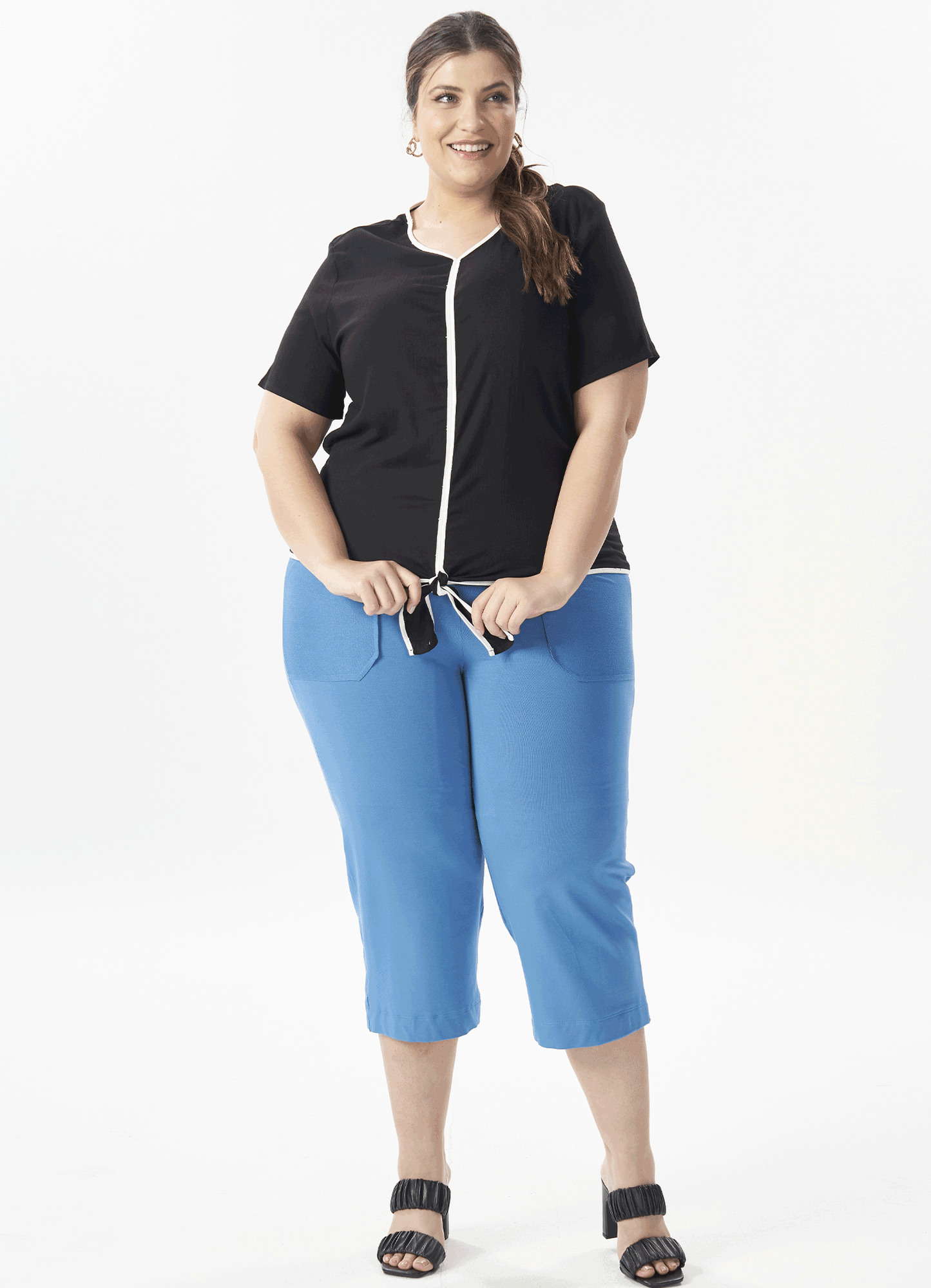 Blusa Feminina Plus Size Tecido Bicolor Manga Curta e Amarração