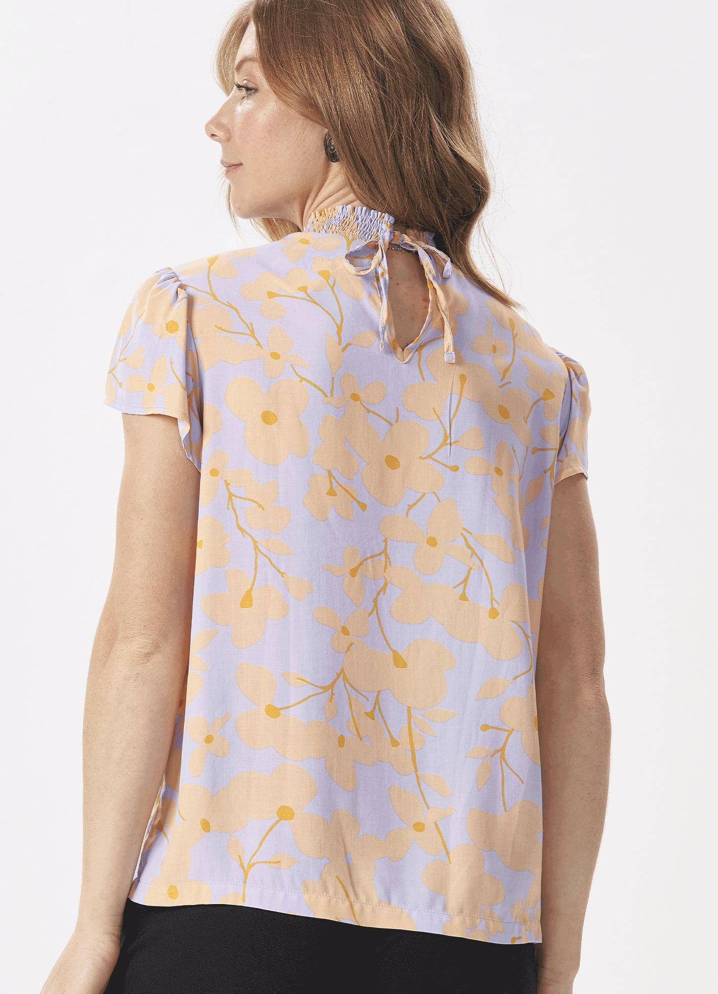 Blusa Feminina Plus Size Tecido Estampada Detalhe Lastex Decote